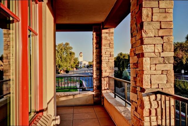 Crescent Riim contemporary-porch