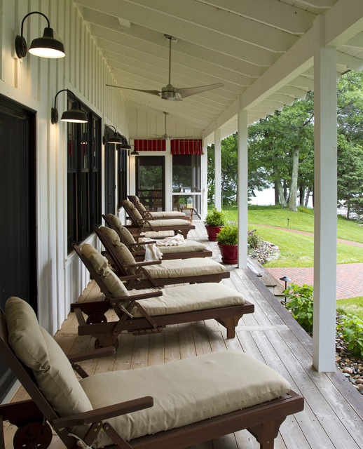 Crosslake traditional porch