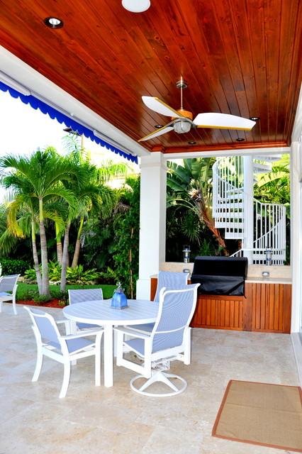 Custom Homes tropical-porch