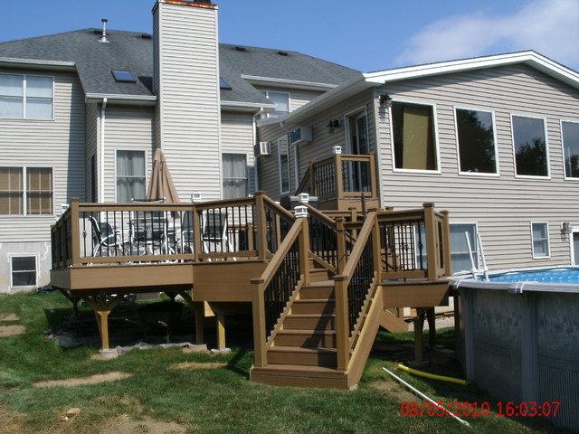 Deck- 3 levels- traditional-porch