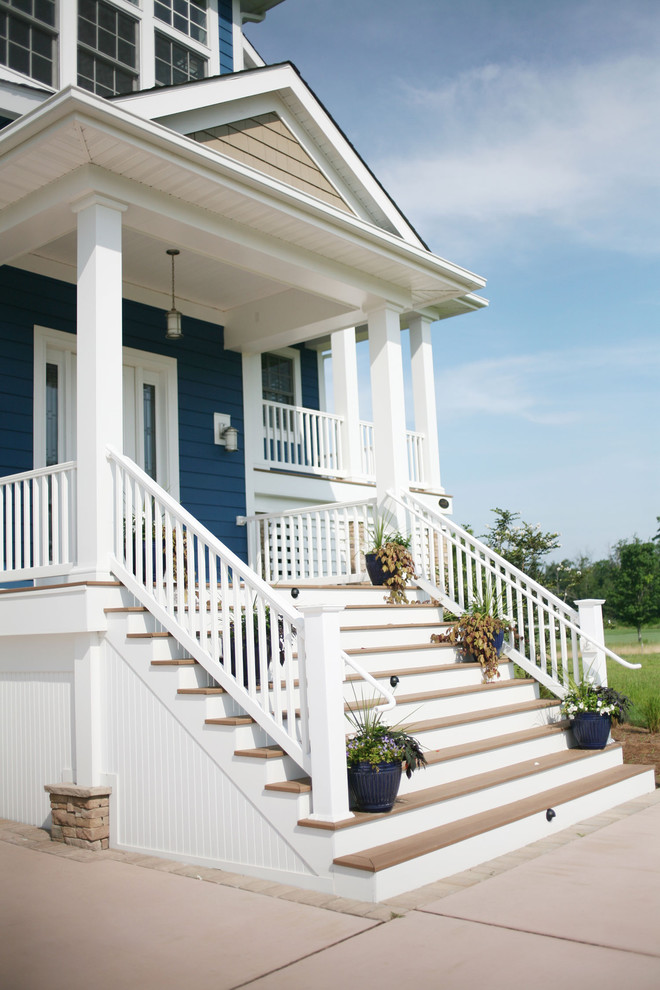 This is an example of a traditional front porch design in Philadelphia.
