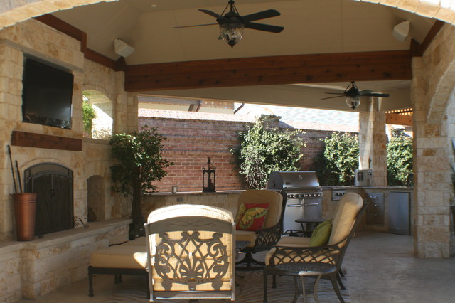 Fort worth covered patio with pergola outdoor kitchen and for Outdoor kitchen designs with fireplace