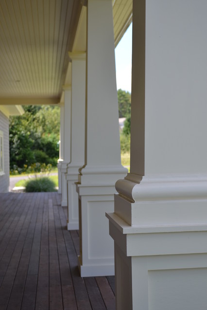 Freeport traditional-porch