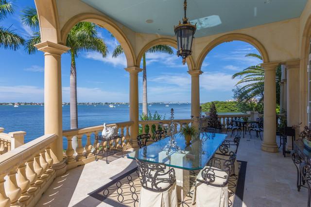 Tuscan porch idea in Tampa