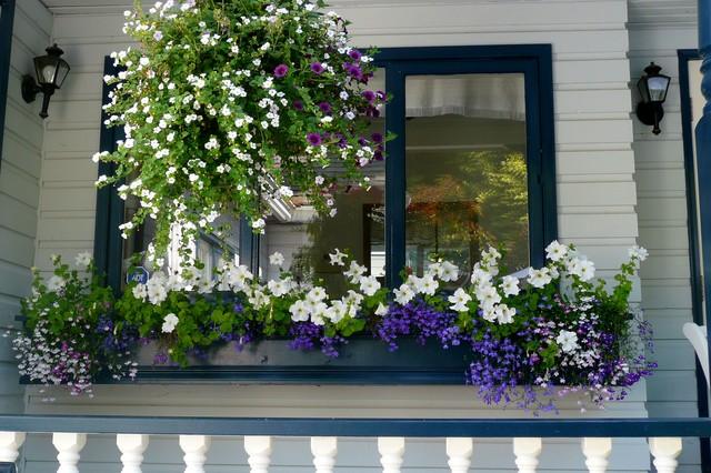 Elegant porch photo in Vancouver