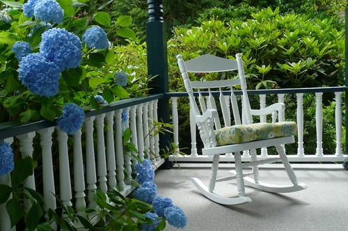 Bring Pantone's Classic Blue Outside: Houzz
