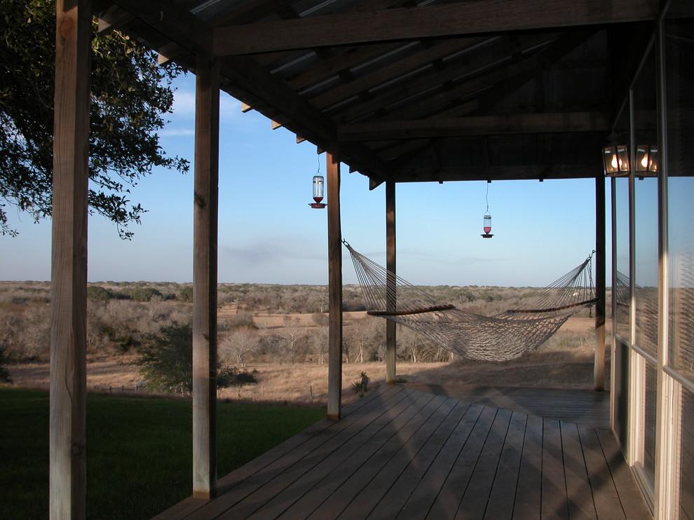 Farmhouse porch idea in Austin