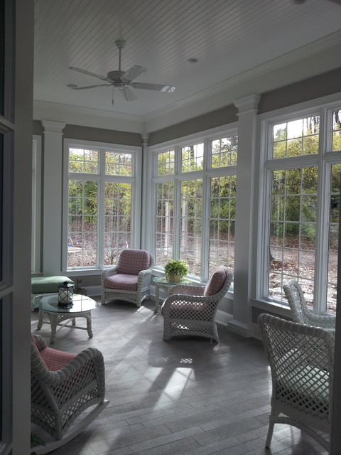 Inspiration for a timeless porch remodel in St Louis