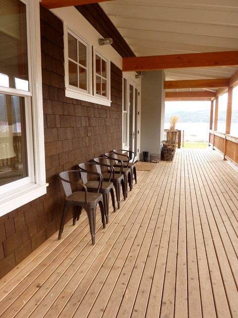 HOLLY BEACH HOUSE traditional-porch