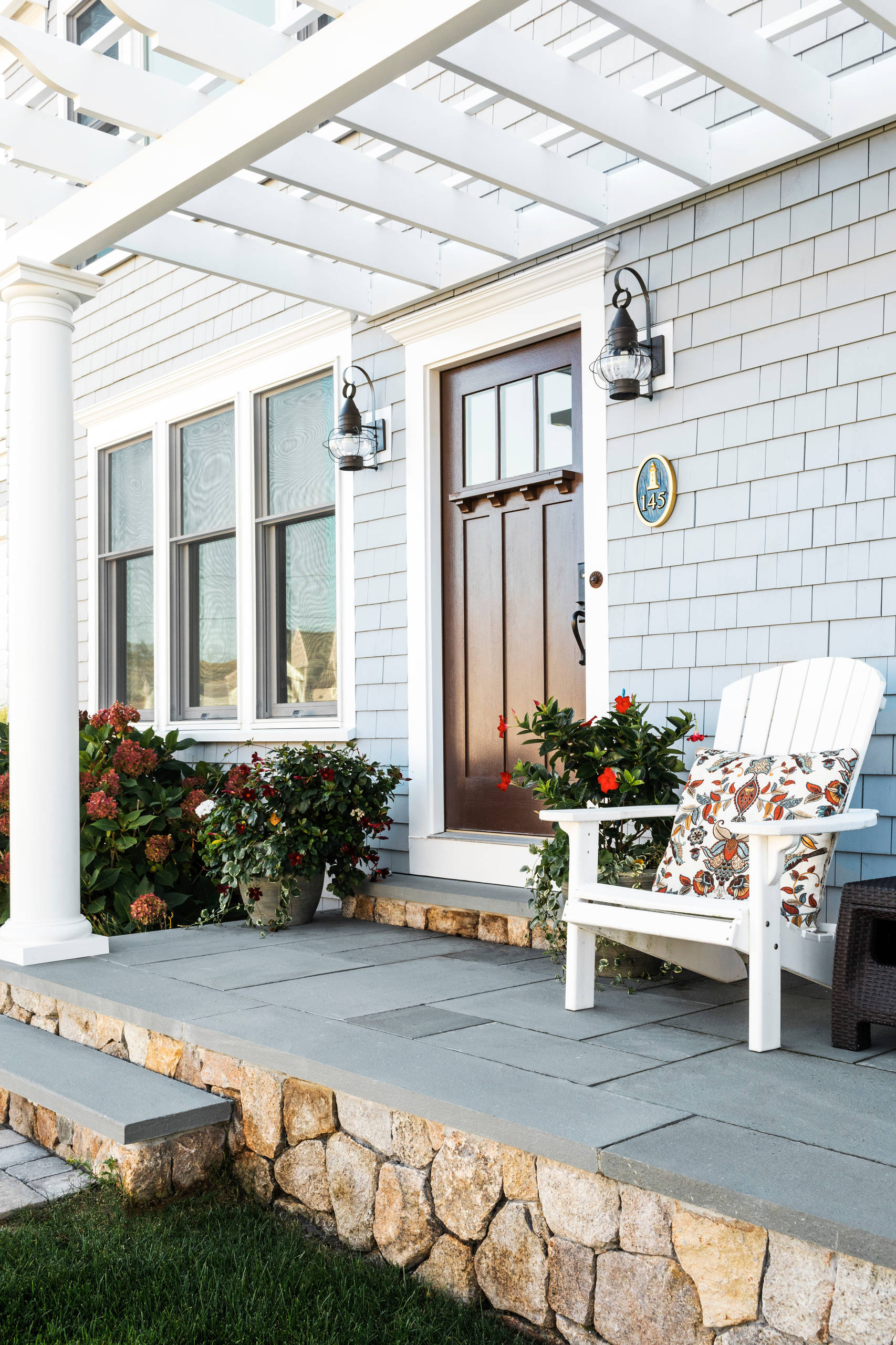 75 Beautiful Small Front Porch Pictures Ideas November 2020 Houzz
