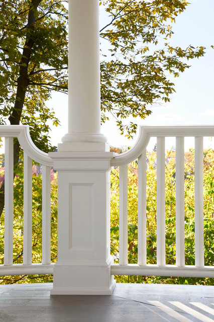 Isles Perch traditional-porch