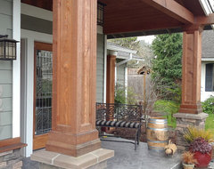 Issaquah, Wa traditional porch