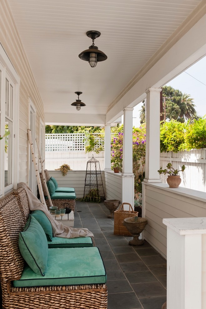 Elegant porch photo in Los Angeles