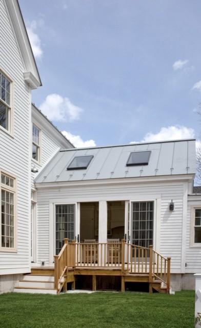 Kitchen Deck farmhouse-porch