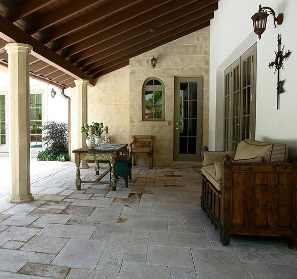 Mediterranean Style Patio: Loggia