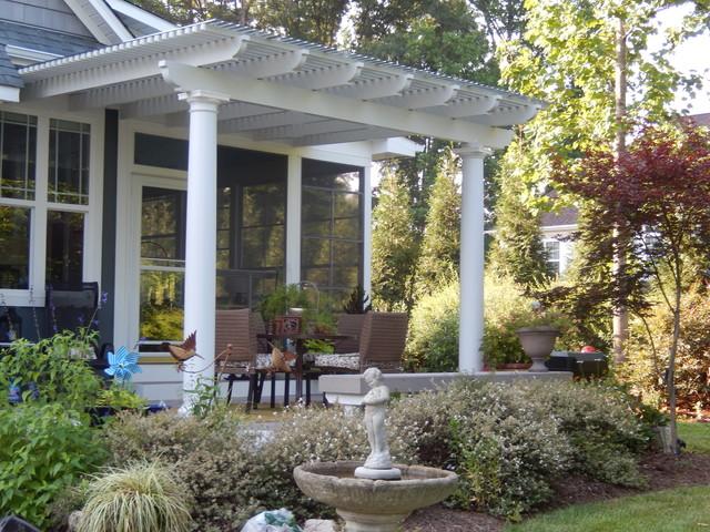 Low Maintenance Aluminum Pergola And Polycarbonate Roof Traditional Veranda