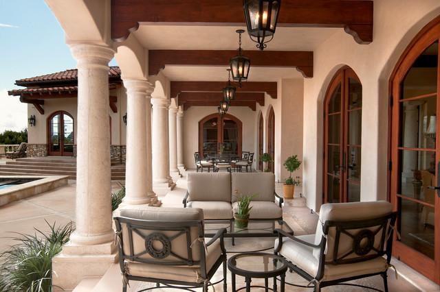 Majestic Italian Villa mediterranean-patio