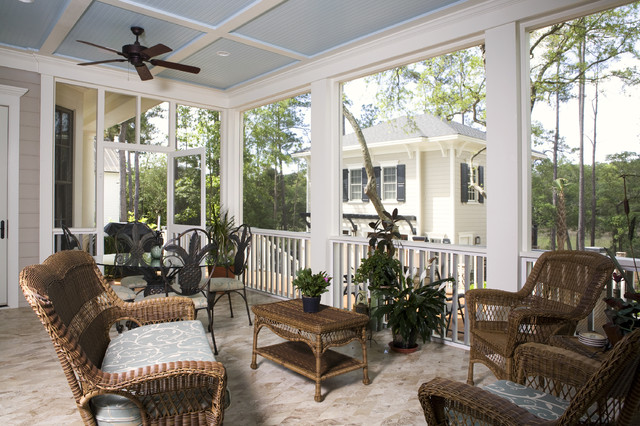 Screen porch decorating ideas decorating ideas for Houses with screened in porches