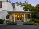 10 Easy Ways to Give Your Entryway and Front Yard a Holiday Boost (13 photos)