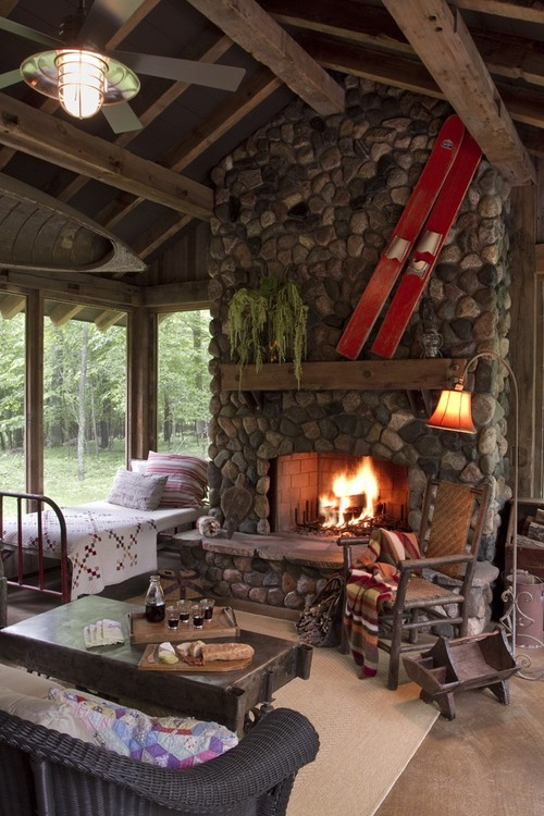Log cabin fireplaces your inspiration log cabin hub large river rock fireplace solutioingenieria