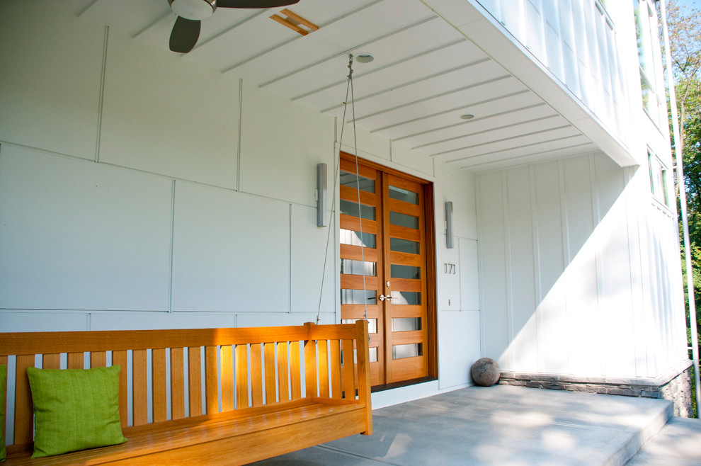 Inspiration for a farmhouse front porch remodel in Other