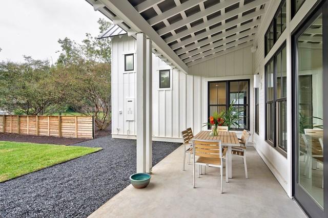 Modern Farmhouse Country Verandah Austin By Redbud