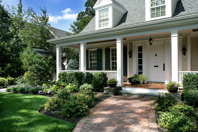 traditional porch by Landscape Techniques Inc