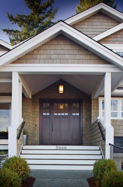 Nanaimo  Residence traditional-porch