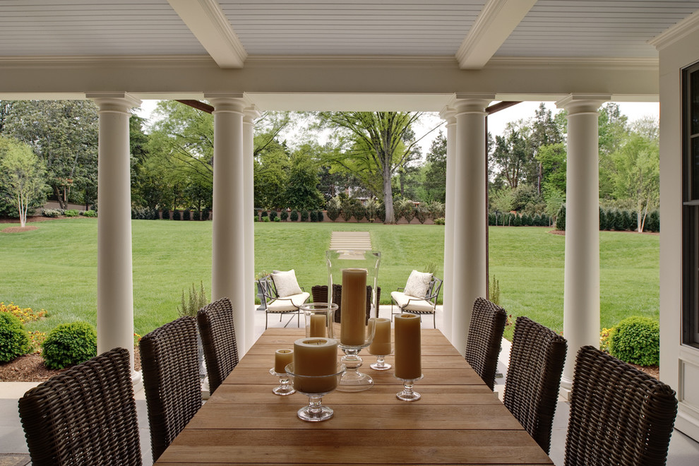 Inspiration for a timeless porch remodel in Richmond with a roof extension