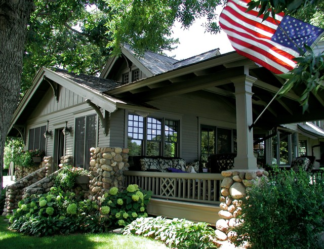 New Construction traditional-porch