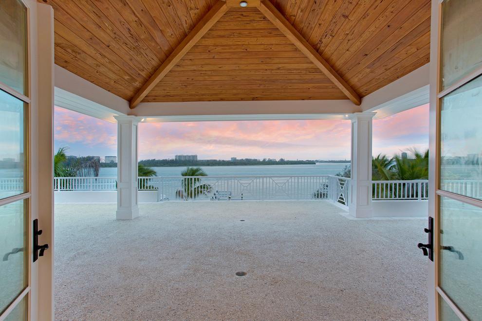 Beach style porch idea in Tampa