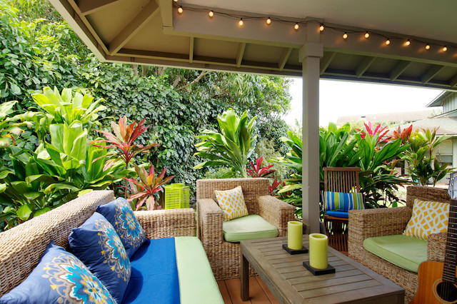 Outdoor Living tropical-porch