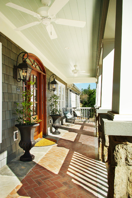 Parkins Lake Residence traditional-porch