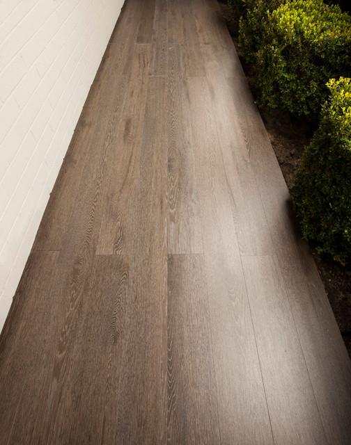 Pascha Wood Noble contemporary-porch