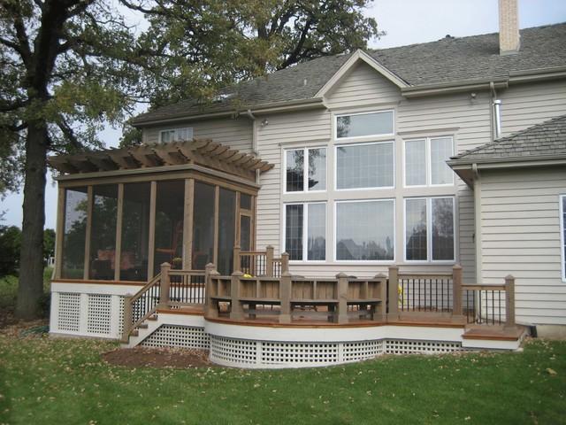 Classic porch idea in Chicago - Pergola/Screened Porch