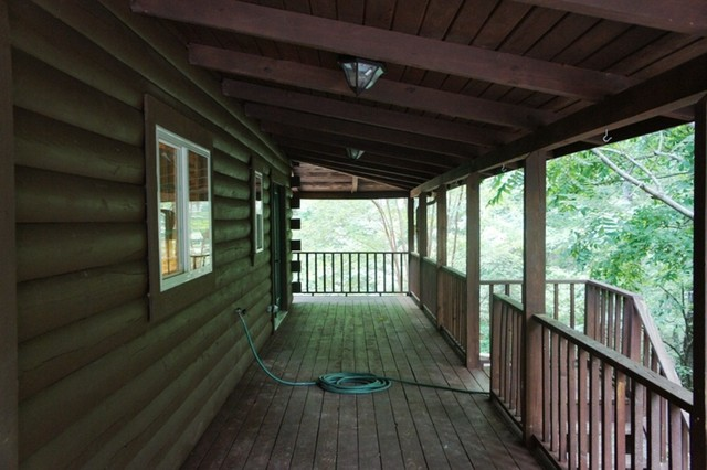 Ridgeview Trail traditional-porch