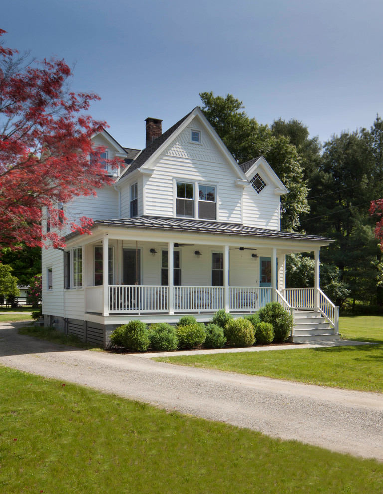 Inspiration for a country porch remodel in New York