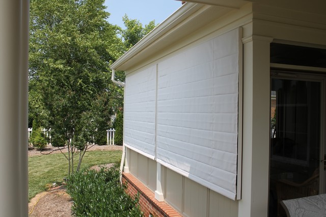 Screen porch shades closed when porch isn 39 t being used for Screen porch window treatments