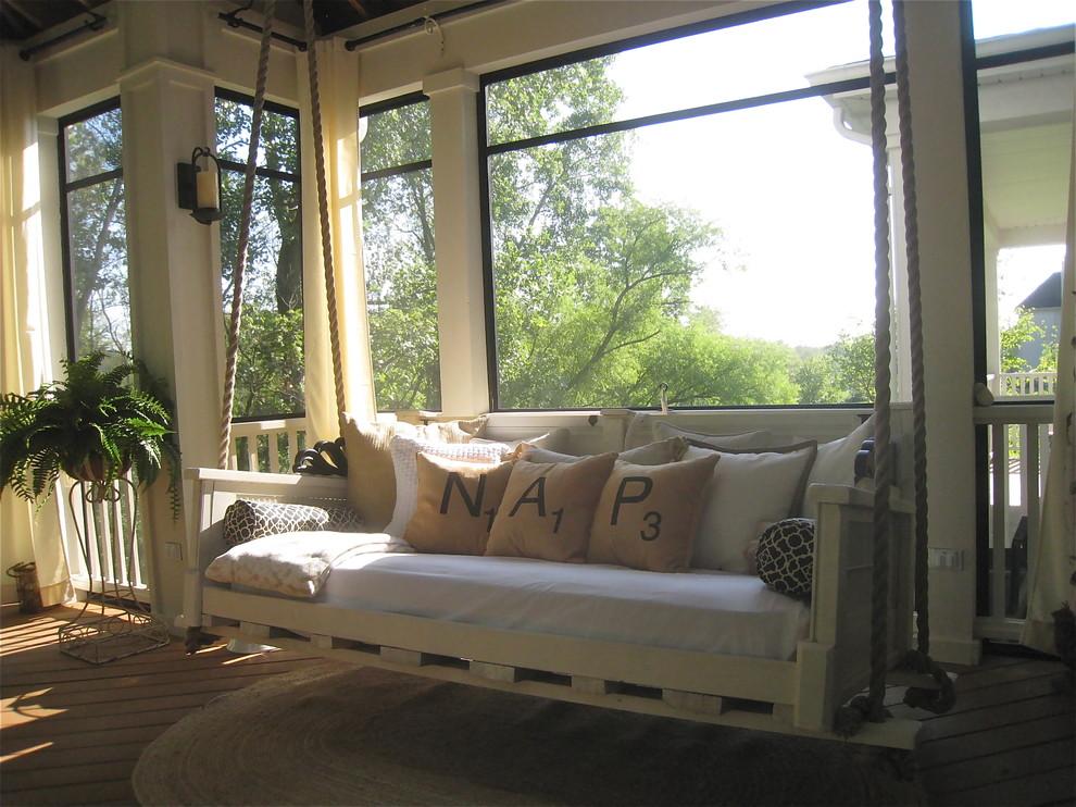 Elegant porch photo in Chicago