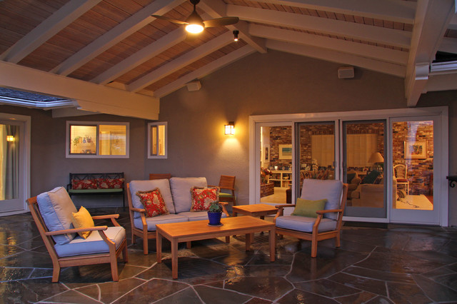 Shelfield Project traditional-porch