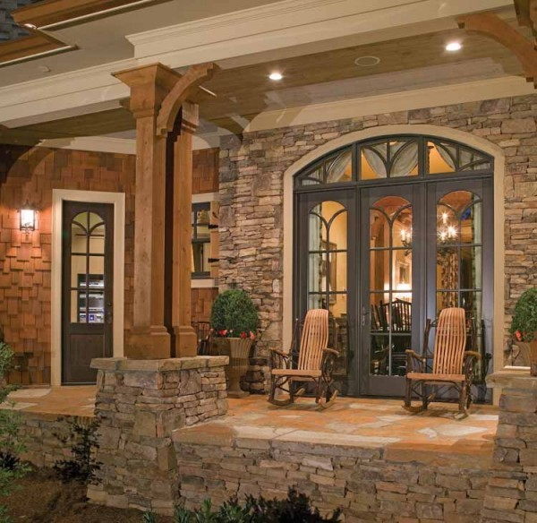 Side porch breezeway of contemporary craftsman house Modern breezeway house plans