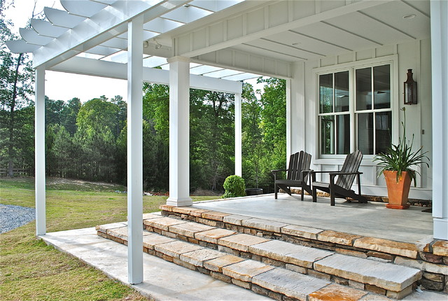 Sideco Traditional Porch