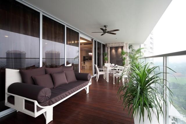 Sky eleven thomson lane singapore for Condo balcony ideas singapore
