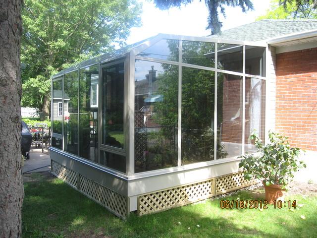 Solarium - Pointe Claire traditional-porch