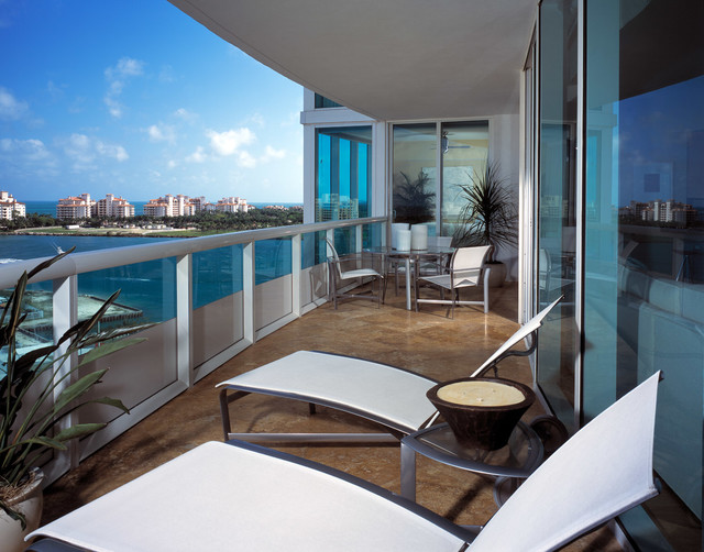 South Beach Residence at the Murano modern-porch
