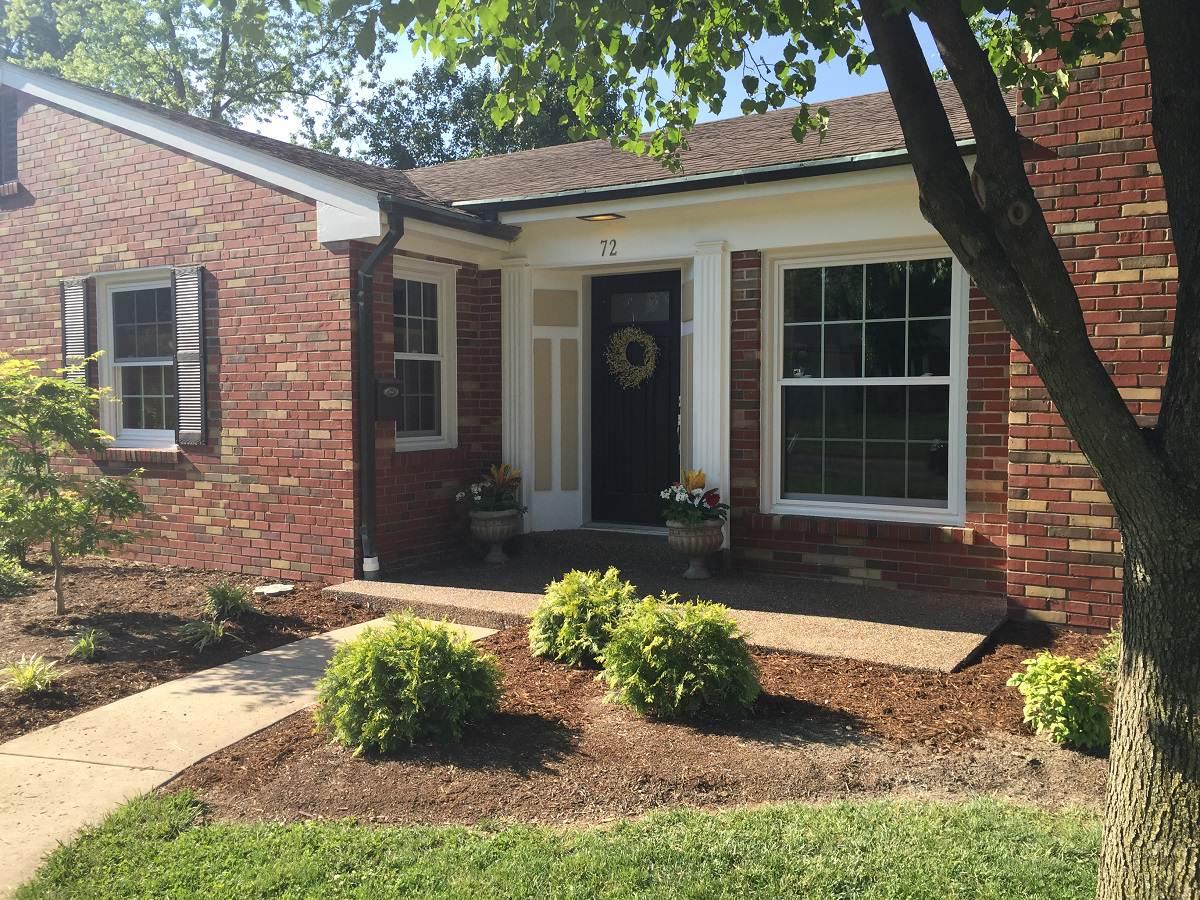 St. Louis, Missouri Exposed Aggregate Porch