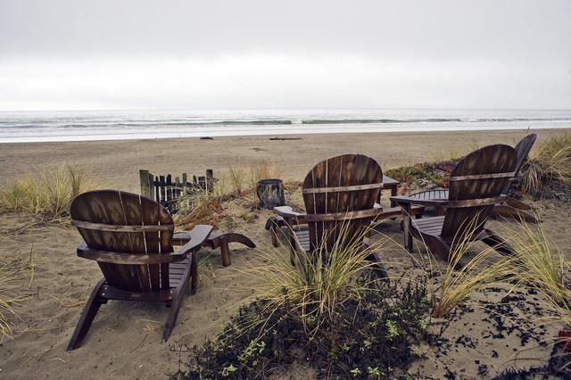 Stinson Beach Retreat tropical-porch