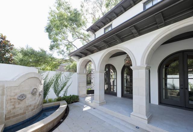 Sullivan, Henry, Oggero and Associates, Inc. mediterranean-porch