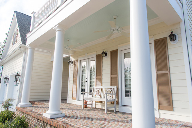 Sweet Magnolia traditional-porch