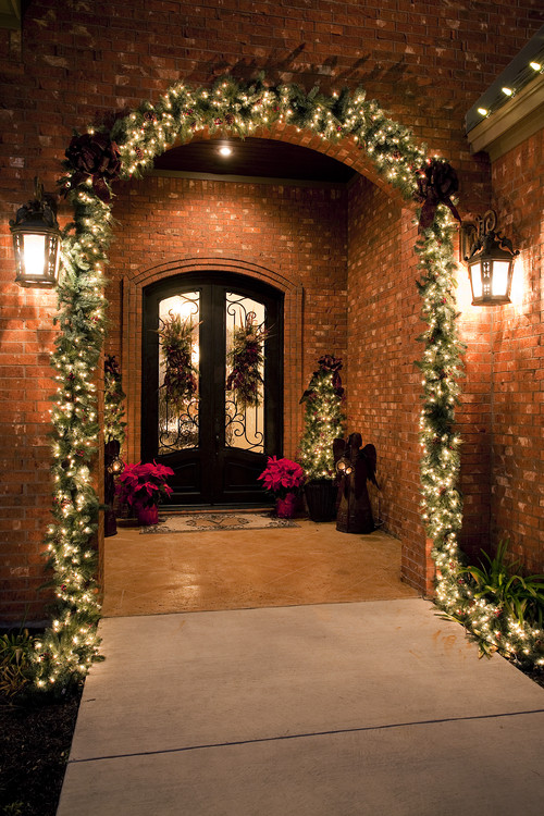 balsam hill shares three quick tips for choosing the best christmas lights